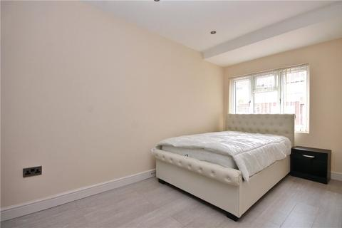 1 bedroom house share to rent - Albain Crescent, Ashford, Surrey, TW15