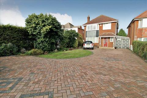 3 bedroom detached house to rent - Wallisdown Road, Bournemouth