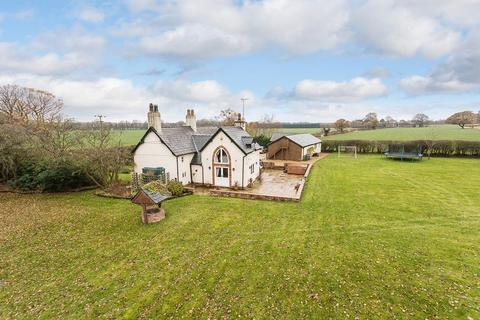 4 bedroom country house for sale - Detached period cottage in 1.4 acres -  Moss Lane, High Legh