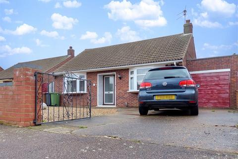 3 bedroom detached bungalow for sale - Southfields Avenue, Peterborough, Cambridgeshire. PE2 8RU