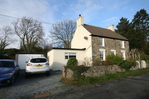 3 bedroom detached house for sale - Gwalchmai, Anglesey