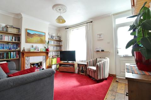 2 bedroom terraced house to rent - Wainscott Road, Southsea