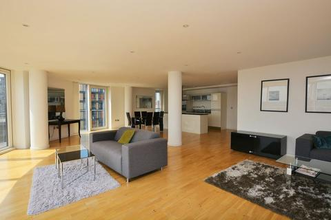 2 bedroom apartment to rent - Ability Place, Canary Wharf, E14