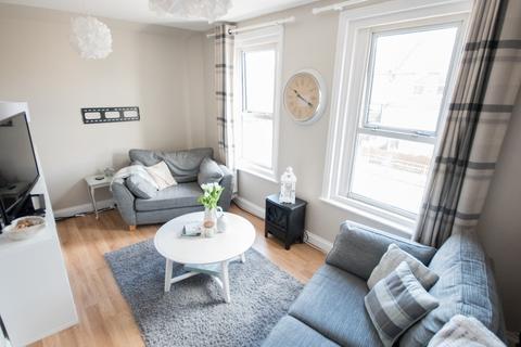 2 bedroom maisonette for sale - 2 DOUBLE BEDROOM MAISONETTE, WINTON