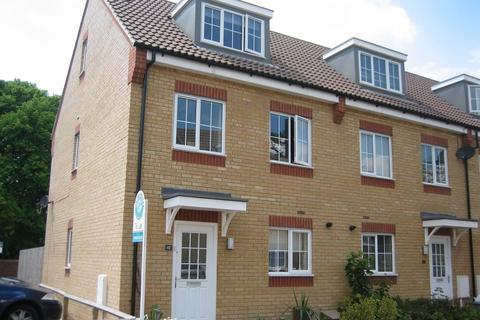 3 bedroom semi-detached house to rent - Jubilee Gardens, Rushden, Northants