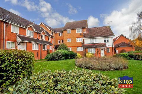 1 bedroom flat for sale - Eagle Close, Waltham Abbey