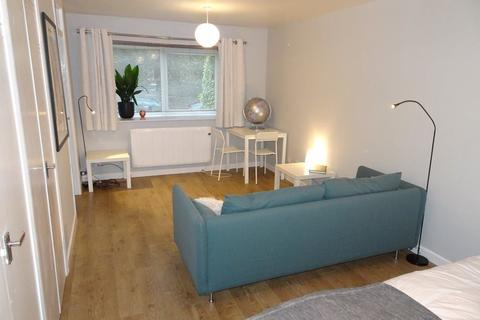 Studio to rent - Westbourne Road, Broomhill, S10 2QT