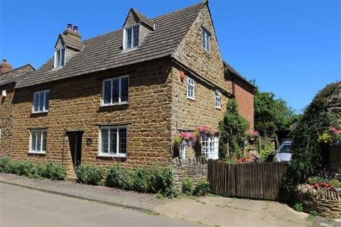 6 bedroom country house for sale - Manor Road, STAVERTON