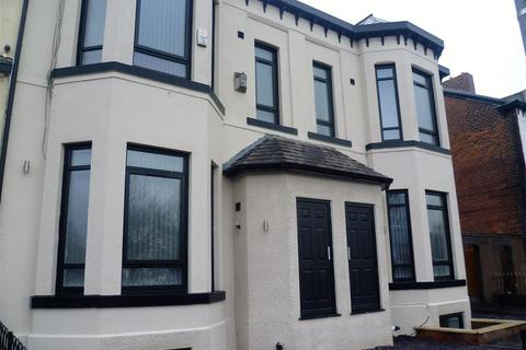 1 bedroom house share to rent - Chorley Road, Swinton, Manchester
