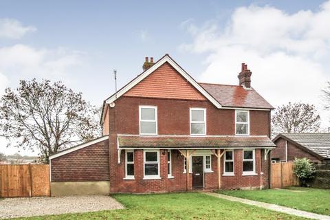 5 bedroom detached house to rent - Marshfoot Lane, Hailsham, BN27