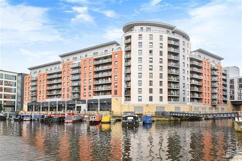 1 bedroom flat for sale - Mackenzie House, Chadwick Street, Hunslet, Leeds, LS10 1PT