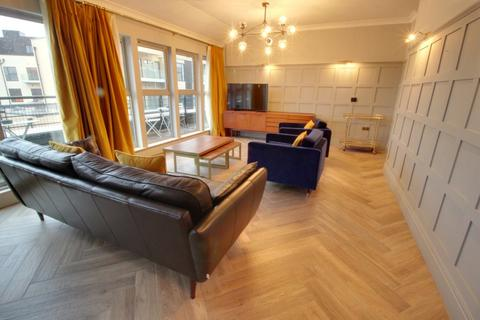 3 bedroom penthouse to rent - Qube Edward Street
