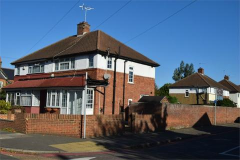 3 bedroom semi-detached house for sale - Hampton Road West, Feltham, TW13