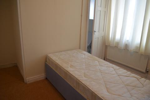 1 bedroom flat to rent - Spring Close Street, East End Park, Leeds, West Yorkshire, LS9