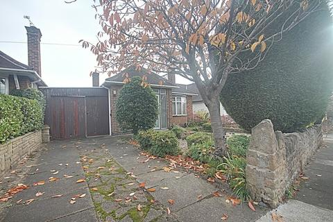 2 bedroom detached bungalow for sale - Balmoral Drive, Bramcote