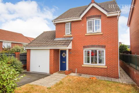 3 bedroom detached house for sale - Sapphire Drive, Stoke-on-Trent, ST6 8HJ