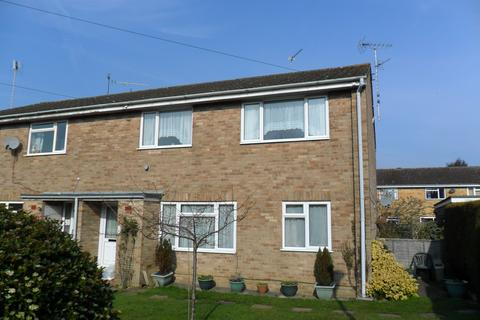 2 bedroom flat to rent - Pear Tree Close, Lindford GU35