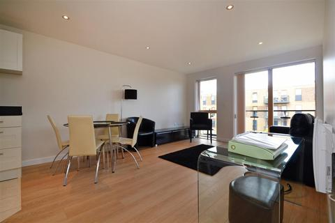 2 bedroom apartment to rent - Lawrie House, 3 Durnsford Road, Wimbledon