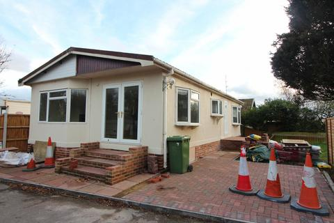 3 bedroom park home for sale - Beaumont Park, Mill Lane, Bradwell, NR31