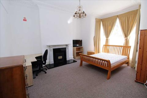 8 bedroom house to rent - St Lawrence Road, Plymouth