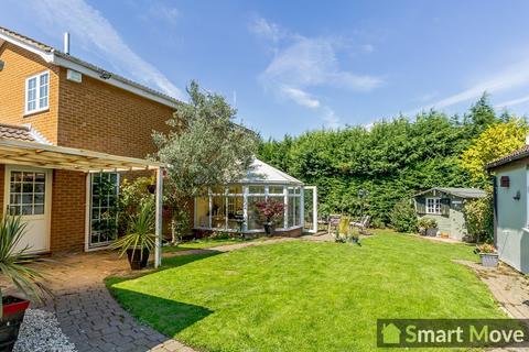 3 bedroom detached house for sale - Hyholmes , Bretton, Peterborough, Cambridgeshire. PE3 8LG