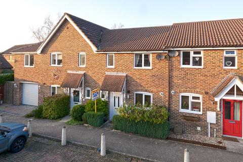 3 bedroom terraced house for sale - Buttercup Close, Paddock Wood