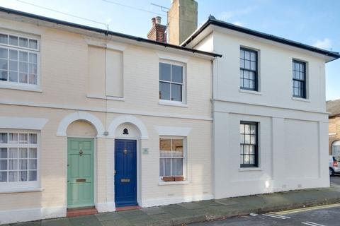 2 bedroom terraced house to rent - Canterbury