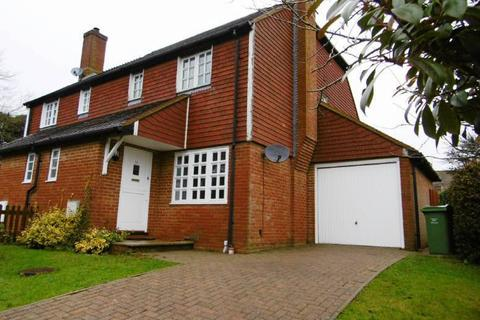 3 bedroom semi-detached house to rent - The Tollgate, Staplecross, East Sussex TN32 5SF