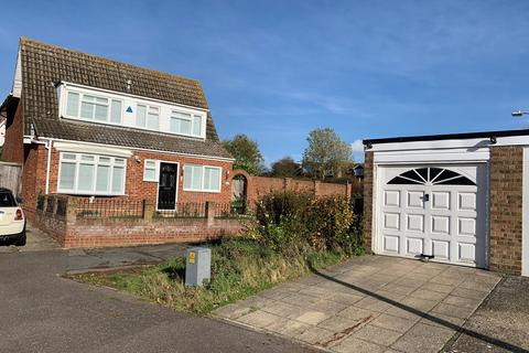 3 bedroom detached house for sale - Downsway, Springfield, Chelmsford, CM1