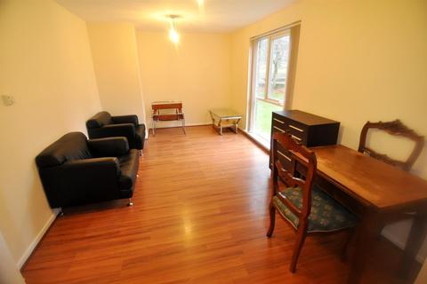 1 bedroom flat to rent - Lister Gardens, Bradford