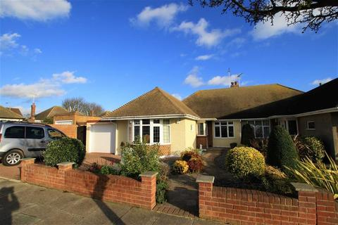 2 bedroom semi-detached bungalow for sale - Chelsworth Crescent, Thorpe Bay