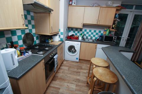 3 bedroom apartment to rent - Springbank Road, Sandyford, Newcastle Upon Tyne