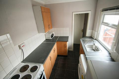 3 bedroom apartment to rent - Grantham Road, Sandyford, Newcastle Upon Tyne