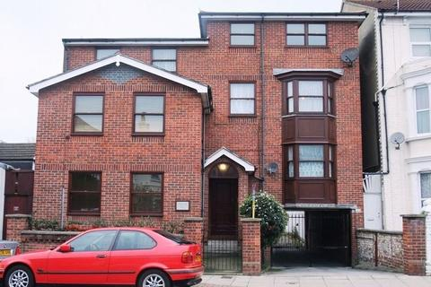 2 bedroom flat to rent - Victoria Road South, Southsea, PORTSMOUTH