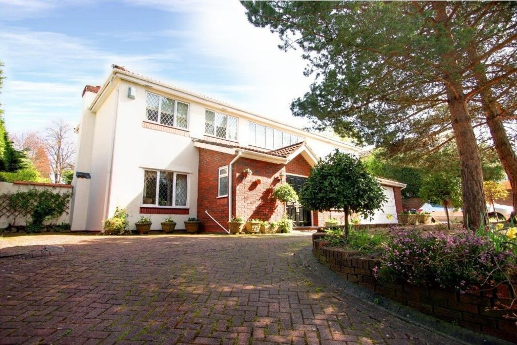 4 Bedrooms Detached House for sale in Cefn-Coed Crescent, Cyncoed, Cardiff