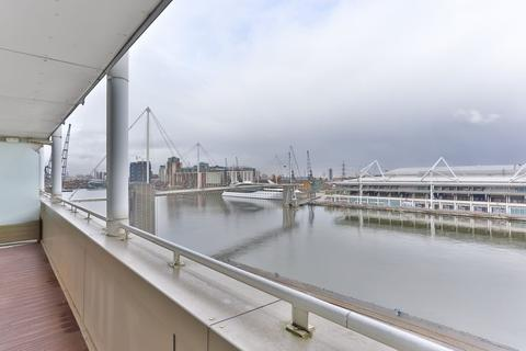 2 bedroom apartment to rent - Eastern Quay Apartments Royal Victoria Dock E16