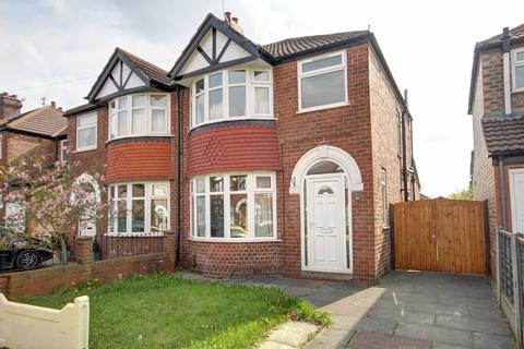 3 bedroom semi-detached house to rent - Burton Avenue, Timperley