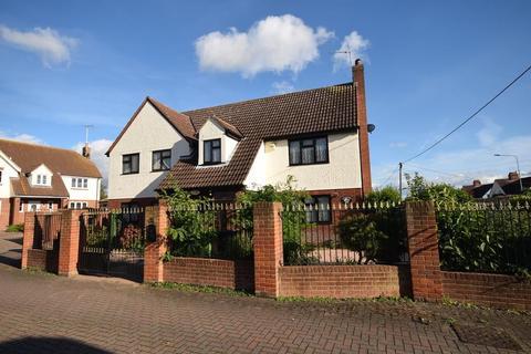 4 bedroom detached house for sale - Goldhanger Road, Heybridge, Maldon, Essex, CM9
