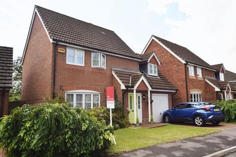 3 bedroom detached house for sale - Badger Close, Four Marks, Alton, Hampshire