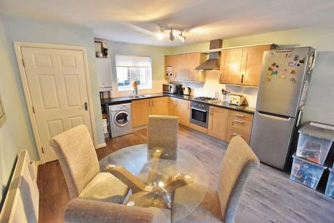 4 bedroom townhouse for sale - Corbel Way, Monton