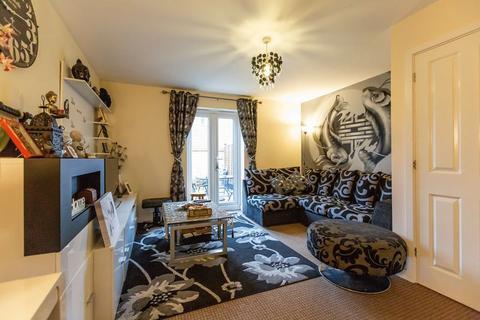 2 bedroom end of terrace house for sale - Flinders Drive, Hempsted, PE7 0NB