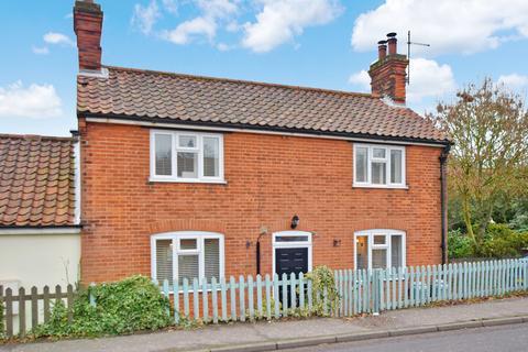3 bedroom cottage for sale - Cromer Road, Thorpe Market