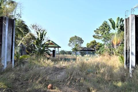 Land  - Sihanouk Ville