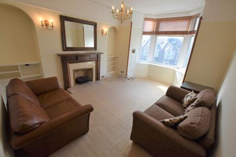 2 bedroom flat - Forest Avenue, West End, Aberdeen, AB15 4TL