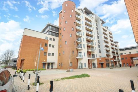2 bedroom apartment to rent - The Junction,  Railway Terrace,  SL2