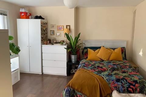 Studio to rent - Roman Road, Bow E3