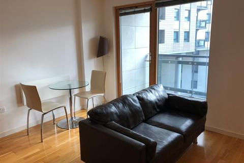 1 bedroom flat to rent - The Gateway North, Crown Point Road, Leeds, LS9 8BX