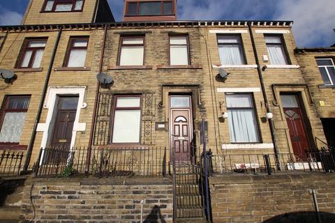 4 bedroom terraced house to rent - Thornton Road, Bradford, BD8 9SF