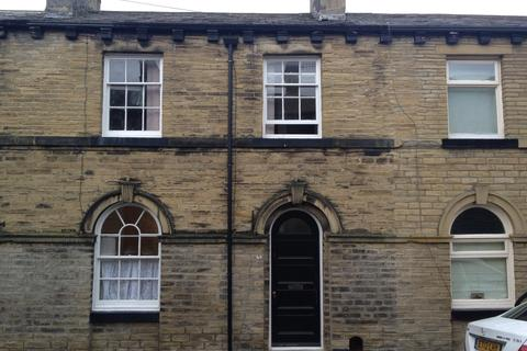 3 bedroom terraced house to rent - Constance Street, Saltaire, BD18