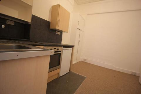 Studio to rent - JUST OFF KEMPTOWN SEAFRONT - ***Student Friendly***